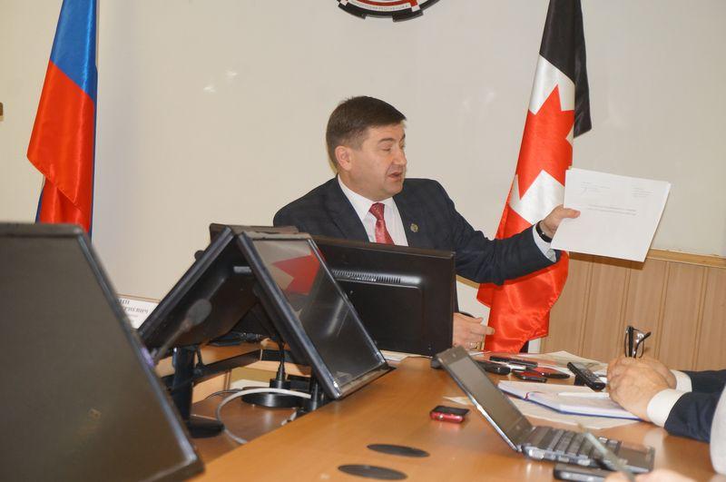 На одной из пресс-конференций Алексей Чуршин рассказал, что выявленные Росздравнадзором нарушения носят системный характер.Фото: © «ДЕНЬ.org»