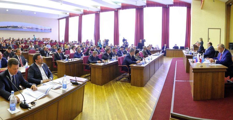 На заседании городской думы Ижевска, 14 мая 2015 года. Фото пресс-служба Главы и Правительства УР.