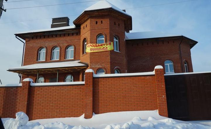 Так сразу и не понять, что в этом доме стоит 26 млн рублей.Фото: «ДЕНЬ.org»