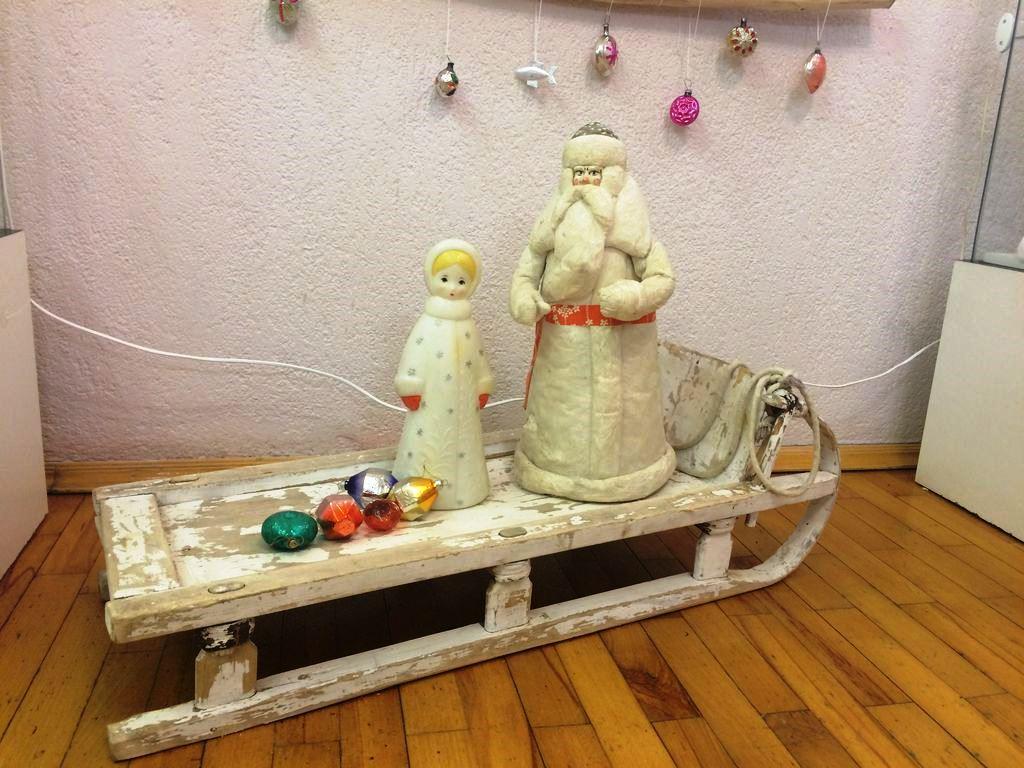 Дед Мороз — первый экспонат коллекции. Фото ©«ДЕНЬ.org»