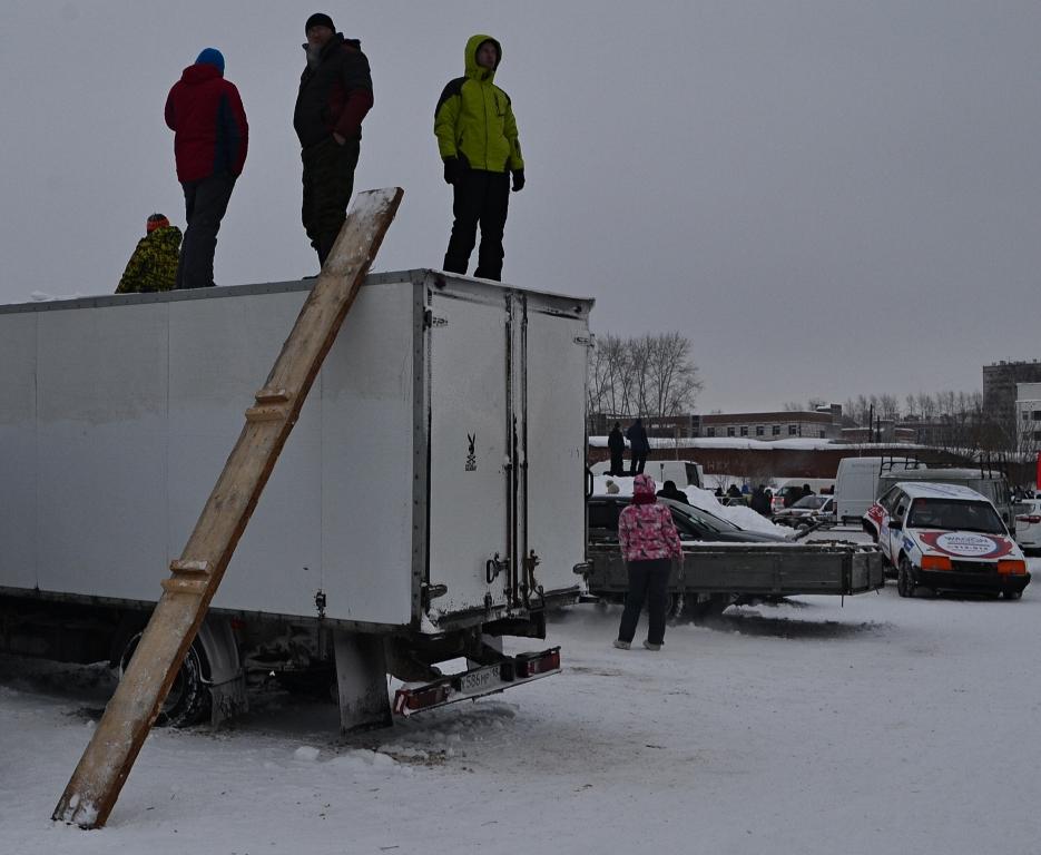 Для лучшей обзорности подойдет фургон с лестницей на небеса. Фото: Александр Поскребышев