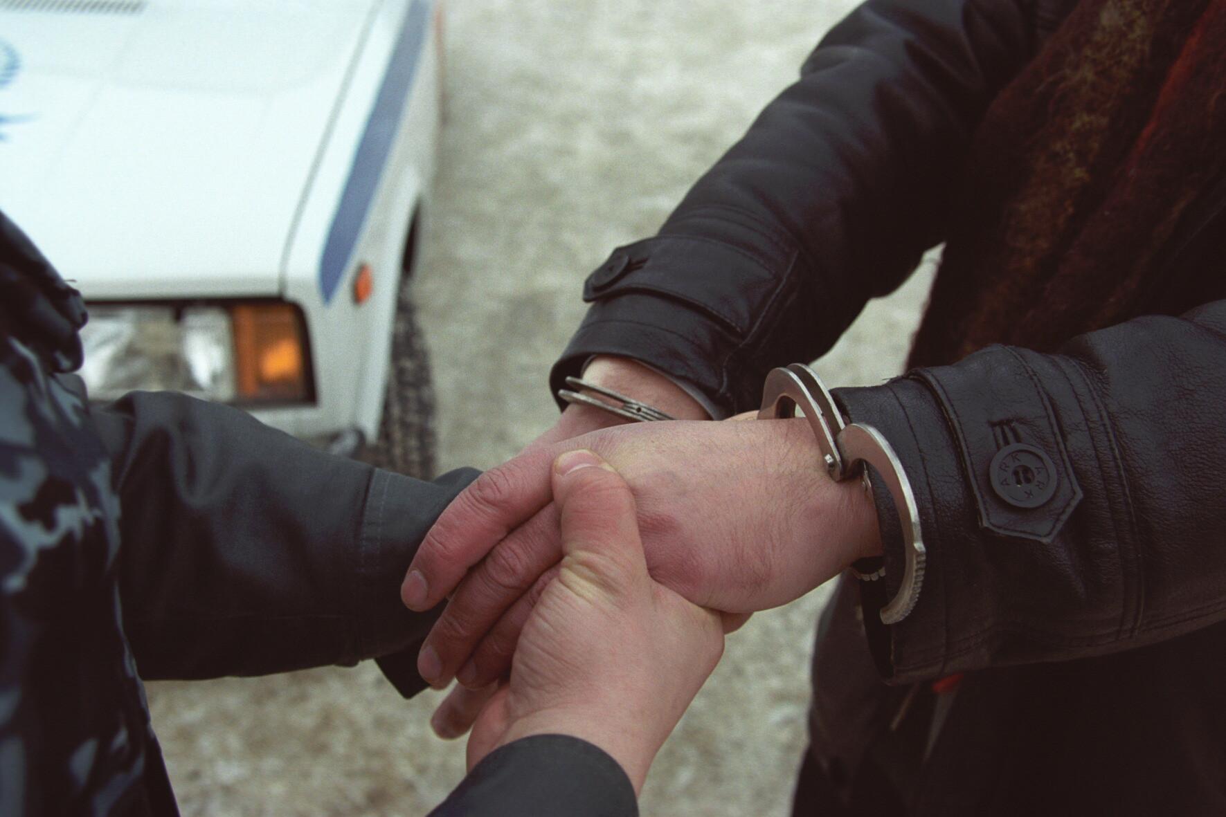 ВАрхангельске два уголовника ограбили 80-летнего пенсионера