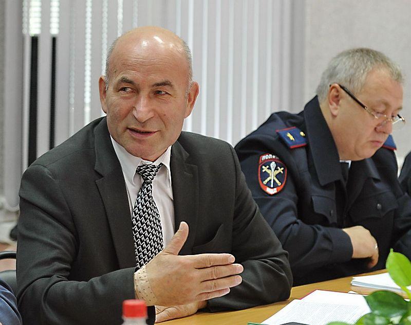 Глава СУ СК по УР Владимир Никешкин и министр внутренних дел по УР Александр Первухин.