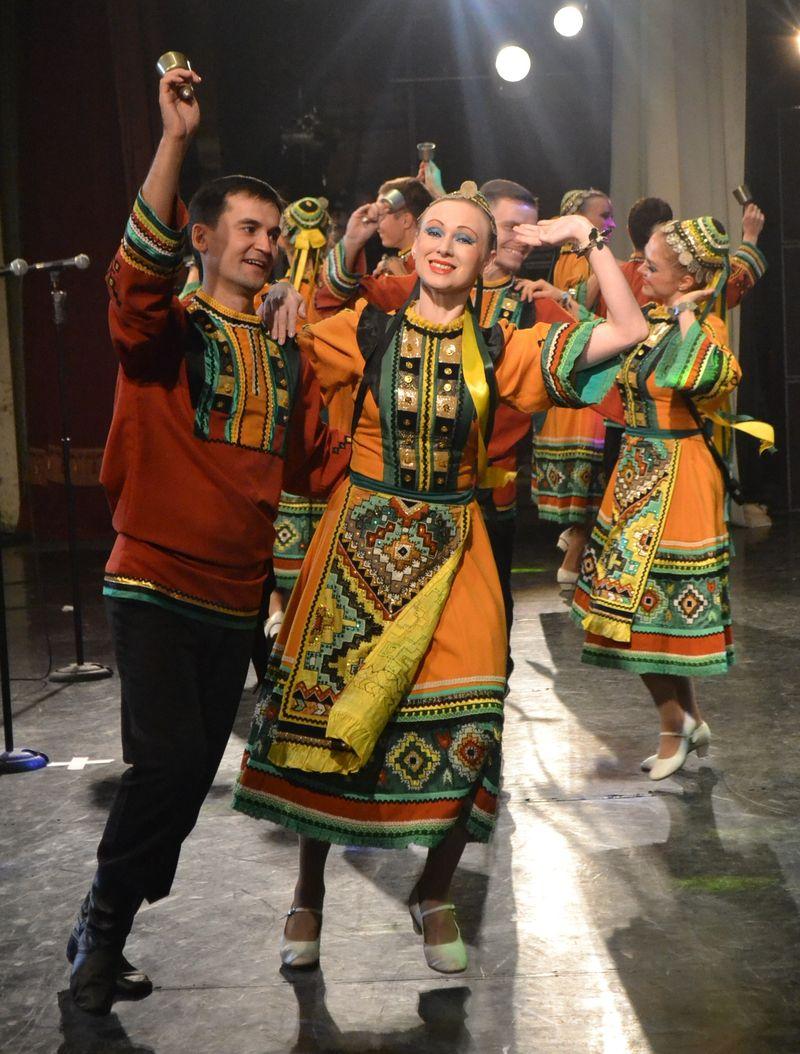 Фрагмент знаменитого «Танца с колокольчиками». Фото: Александр Поскребышев