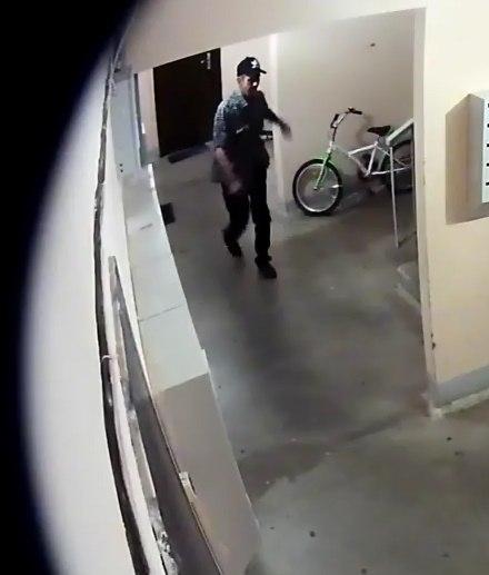 Серийный насильник, нападавший на собственных жертв влифтах многоэтажек, арестован вИжевске