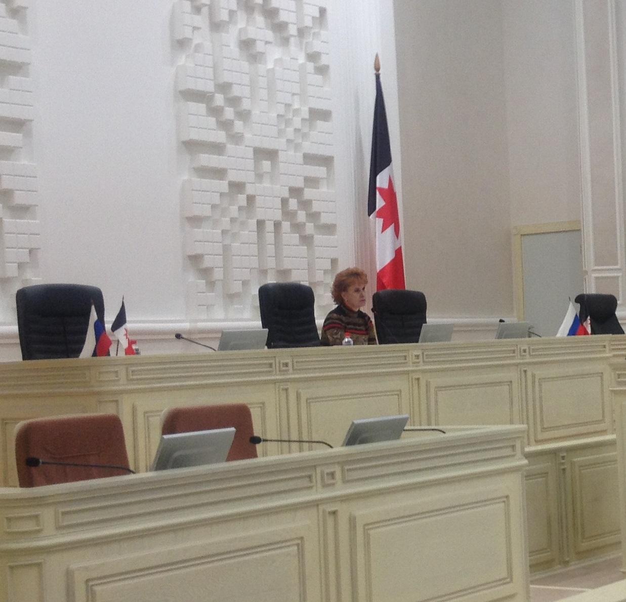 Софья Широбокова заявила на публичных слушаниях по бюджету о том, что Госсовет готов рассмотреть поправки от Ижевска. Фото: © «ДЕНЬ.org»