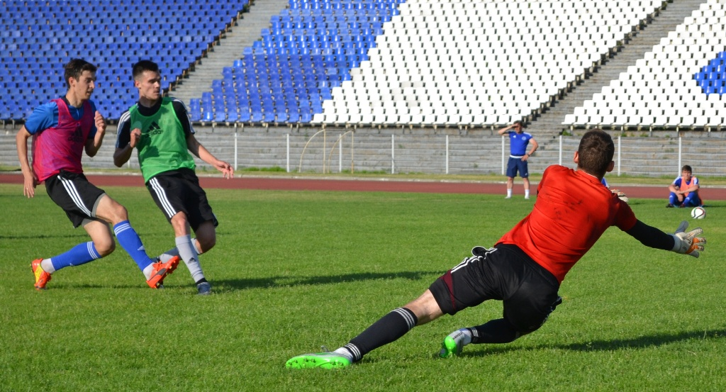 Тренировка ФК «Зенит-Ижевск». Фото: Александр Поскребышев