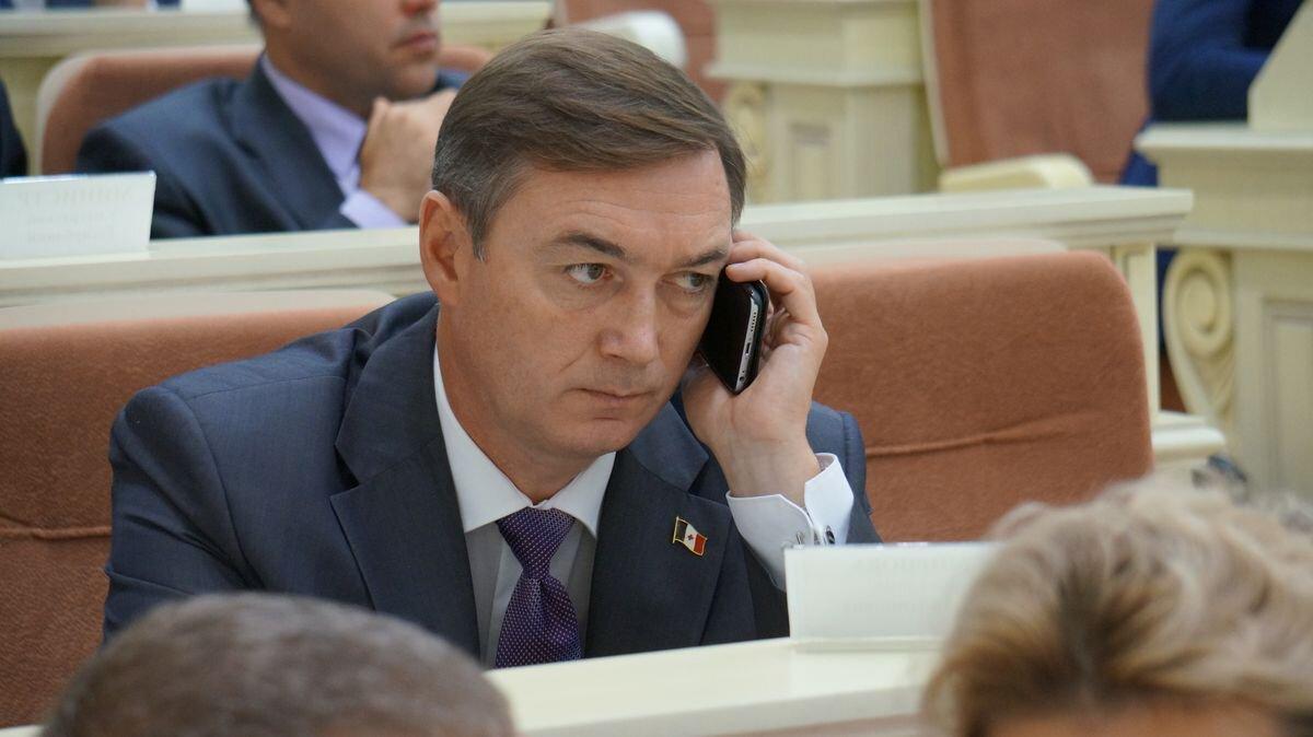 Бывший вице-премьер УР Андрей Кузнецов продолжает работать на кафедре «Экономика и управление» в ИжГТУ. Фото: © «ДЕНЬ.org»