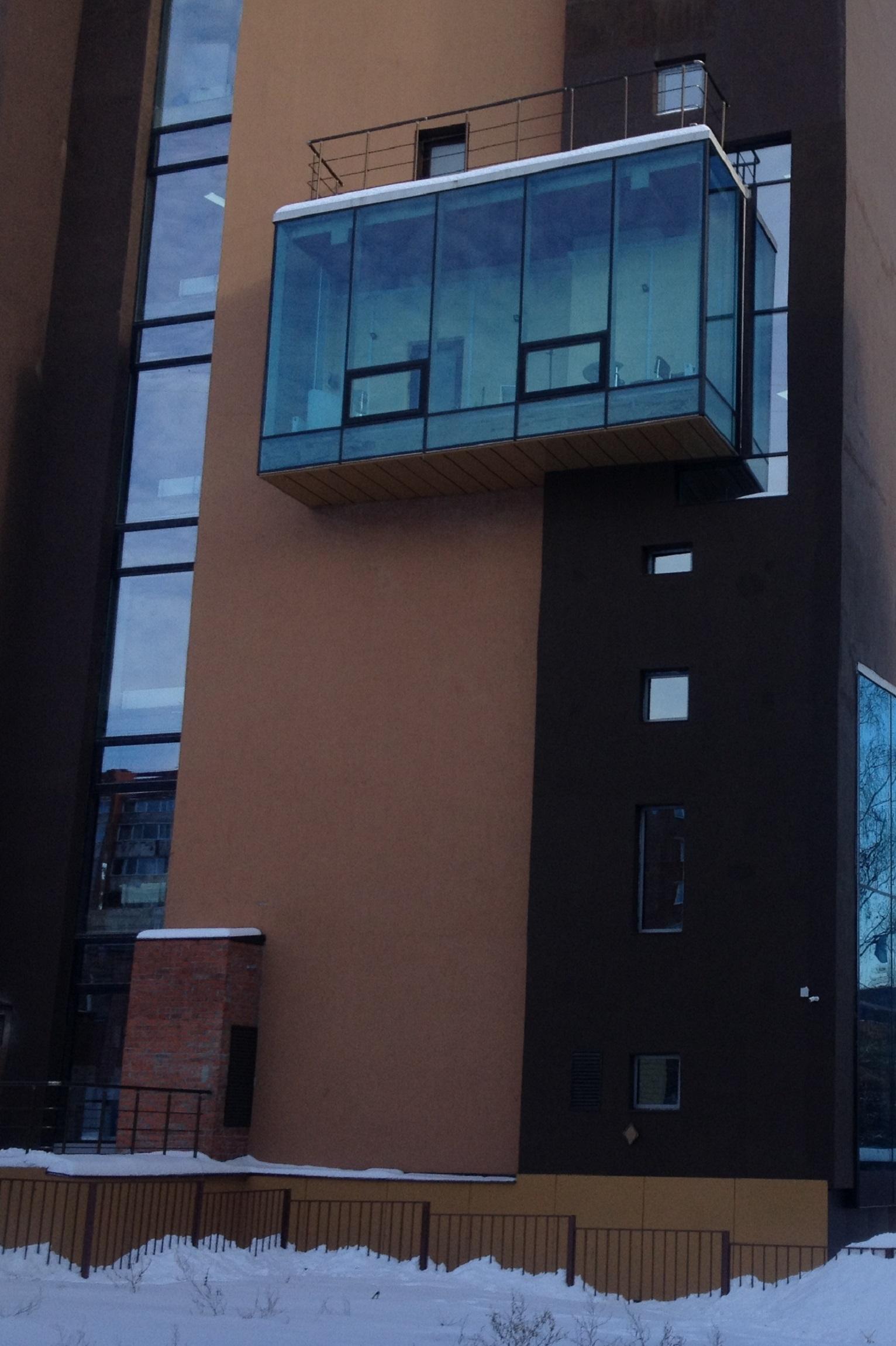 Не это ли встроенный выставочный зал, упомянутый в договоре аренды земельного участка под здание «Найди» на Пушкинской? Фото: © «ДЕНЬ.org»