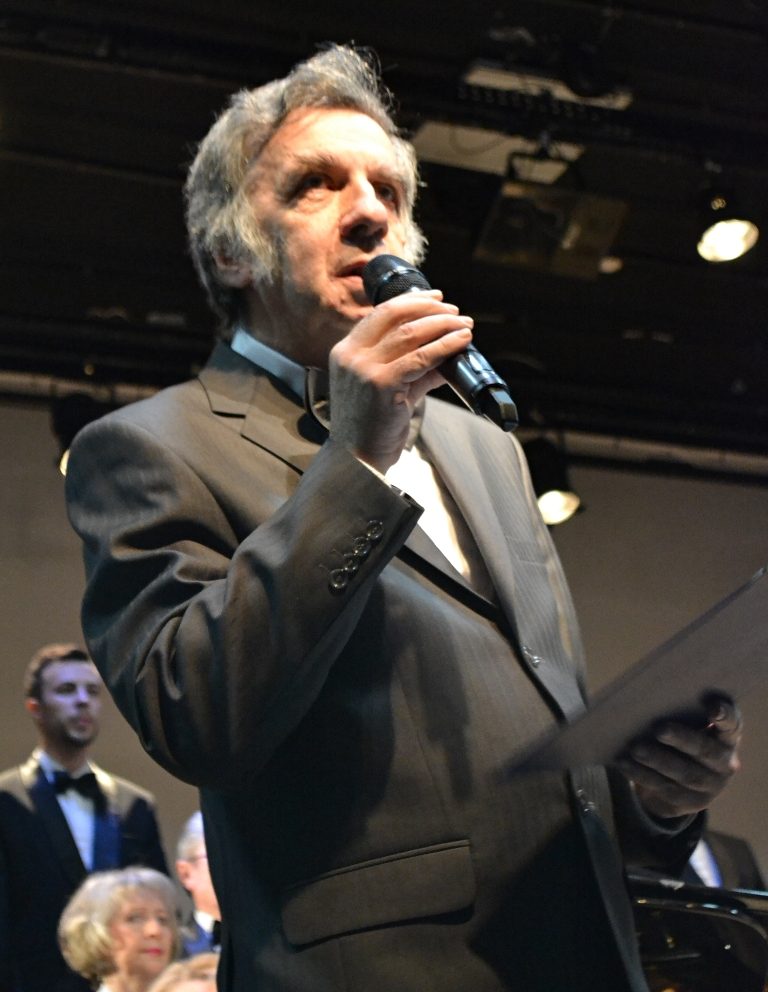 В программе «Гармония диссонансов» прозвучал хор Юрия Толкача «Чудо отрадное», при этом композитор еще и вел концерт. Фото: Александр Поскребышев