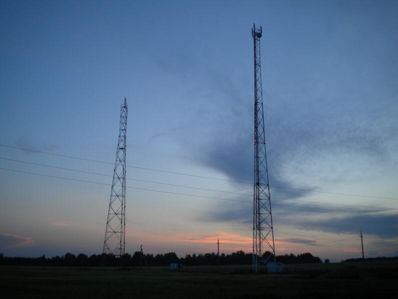 Рядом с вышкой Tele2 возвышается еще одна, по слухам, для цифрового телевидения. Фото ©День.org