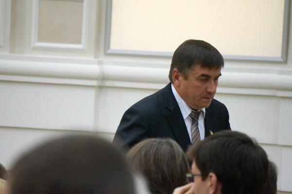 """Вице-премьер Сергей Токарев на новом посту всего полгода, а уже дважды стал объектом для компромата. Фото из архива ©газета """"День""""."""
